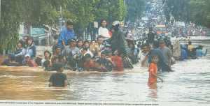 Pos_Pengumben_banjir_jakarta_2007[1]