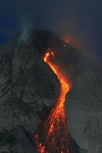 Gunung Sinabung, bangun setelah tidur 400 tahun.
