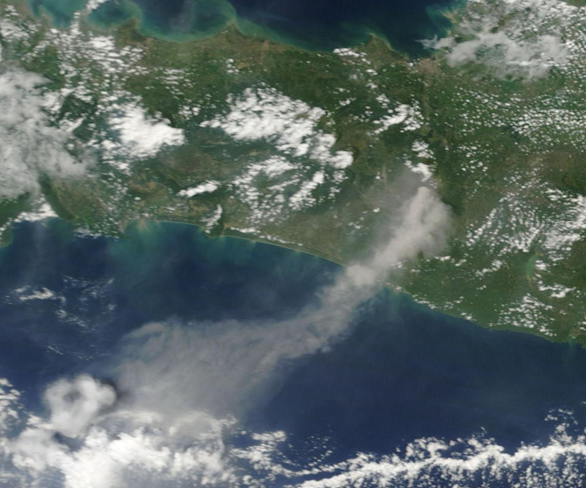Merapi 12 November 2010