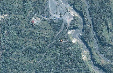 Lereng Merapi: Sebelum dan sesudah Meletus dilihat dari satelit