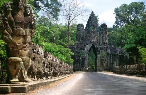 Angkor Thom (sumber Wiki)