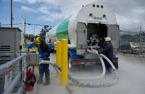 Clean-Energy-Inaugurates-LNG-Fueling-Station-in-Ohio[1]